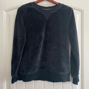 Fleece black crew neck sweater